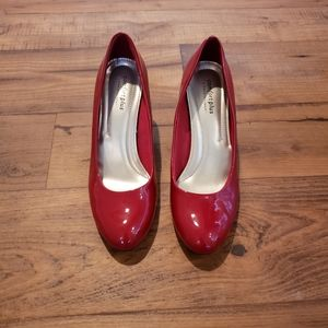 Red Patent Leater Pumps